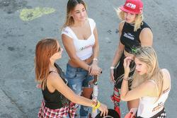 Chicas en el Paddock Argentina Vassalli Don Roque Castrol TSB Mani King