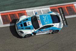 السيارة رقم 44 عمان ريسينغ أستون مارتن فانتاج: جوني آدم، دارن تورنر، أحمد الحارثي