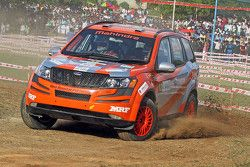 Gaurav Gill and Musa Sherif, XUV 500, Team Mahindra Adventure