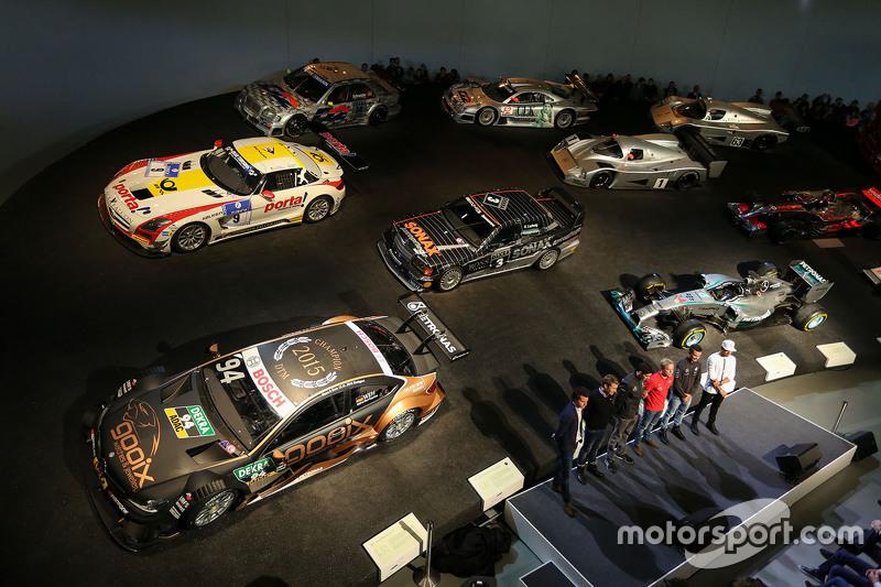 #3: Atmosphäre im Mercedes-Museum in Stuttgart
