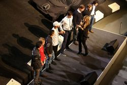 Esteban Ocon, Felix Rosenqvist, Pascal Wehrlein, Lewis Hamilton, Mercedes AMG F1, Toto Wolff, Mercedes AMG F1 Shareholder and Executive Director, Ola Källenius, Daimler AG Board member, Sebastian Asch, Luca Ludwig