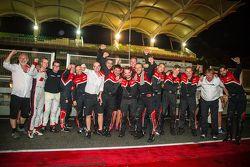 Audi Sport - Takım: WRT Takımı üyeleri 1-2-3 finişi kutluyor