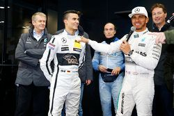 Pascal Wehrlein, 2015 DTM champion and 2015 F1 champion Lewis Hamilton, Mercedes AMG F2