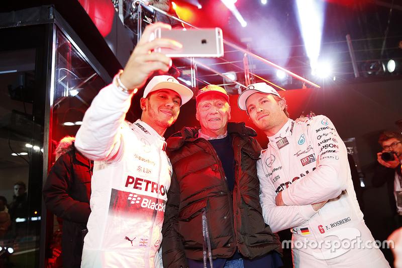 Niki Lauda, Lewis Hamilton e Nico Rosberg