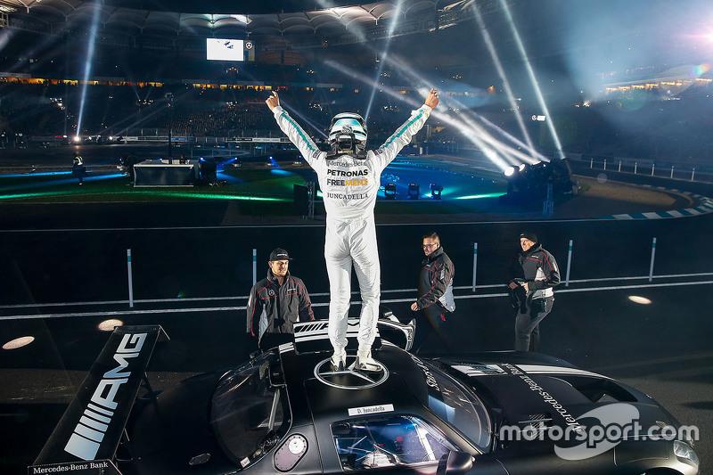 Dani Juncadella celebra a vitória na competição