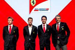 Kimi Räikkönen, Sebastian Vettel, Esteban Gutierrez und Ferrari-Teamchef Maurizio Arrivabene