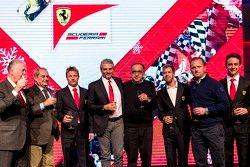 Piero Ferrari, Ferrari-Vizepräsident; Amedeo Felisa; Kimi Räikkönen; Maurizio Arrivabene, Ferrari-Te