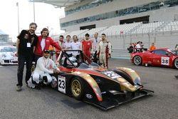 السيارة رقم 23 وولف جي بي08 أفيلون: عمرو الحمد، فيليب بريتي، أنجيلو نيغرو