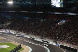 斯特林·莫斯、汉斯·赫尔曼,梅赛德斯奔驰300 SLR;苏茜·沃尔夫,梅赛德斯奔驰W 196R