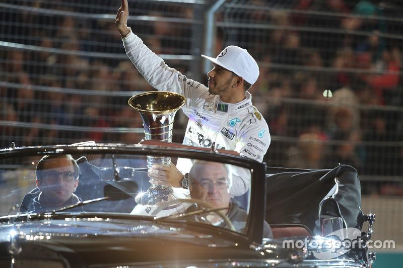 Чемпион 2015 года Формулы 1 - Льюис Хэмилтон, Mercedes AMG F1