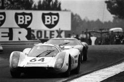 Porsche 908 #64: Hans Hermann, Gerard Larousse
