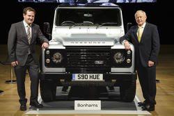 Veiling twee miljoenste Land Rover Defender