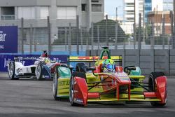 Lucas di Grassi, ABT Schaeffler Audi Sport and Nathanael Berthon, Team Aguri