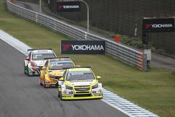 Hugo Valente, Campos Racing and Rob Huff, Lada Sport Rosneft