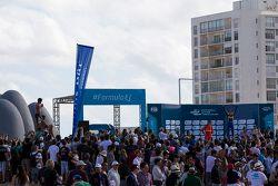 الفائز سيباستيان بويمي، رينو إي.دامس والمركز الثاني لوكاس دي غراسي، آبت أودي سبورت والمركز الثالث جي