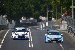 Nestor Girolami, Honda Civic WTCC, Nika International and John Filippi, Chevrolet RML Cruze TC1, Campos Racing