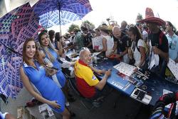 Tom Coronel, ROAL Motorsport mit Gridgirls