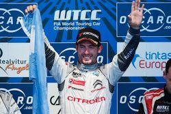 Podium: el ganador, José María López, Citroën World Touring Car team