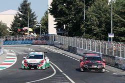 Gabriele Tarquini, Honda Civic WTCC, Honda Racing Team JAS and Norbert Michelisz, Honda Civic WTCC,