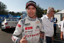 El ganador de la carrera, Ma Qing Hua, Citroën World Touring Car team