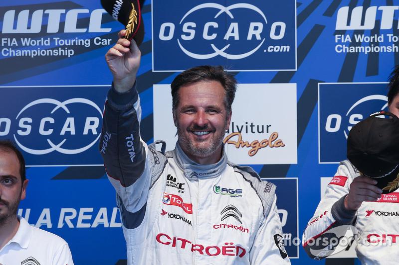 Podium: second place Yvan Muller, Citroën World Touring Car team