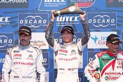 Podium: el ganador de la carrera, Ma Qing Hua, Citroën World Touring Car team