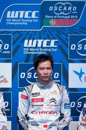 Podium: El ganador de la carrera, Ma Qing Hua, Citroën C-Elysée WTCC, Citroën World Touring Car team