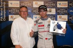 Ma Qing Hua, Citroën World Touring Car team with the fastest lap trophy