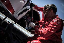 Citroën World Touring Car mecánicos del equipo en el trabajo