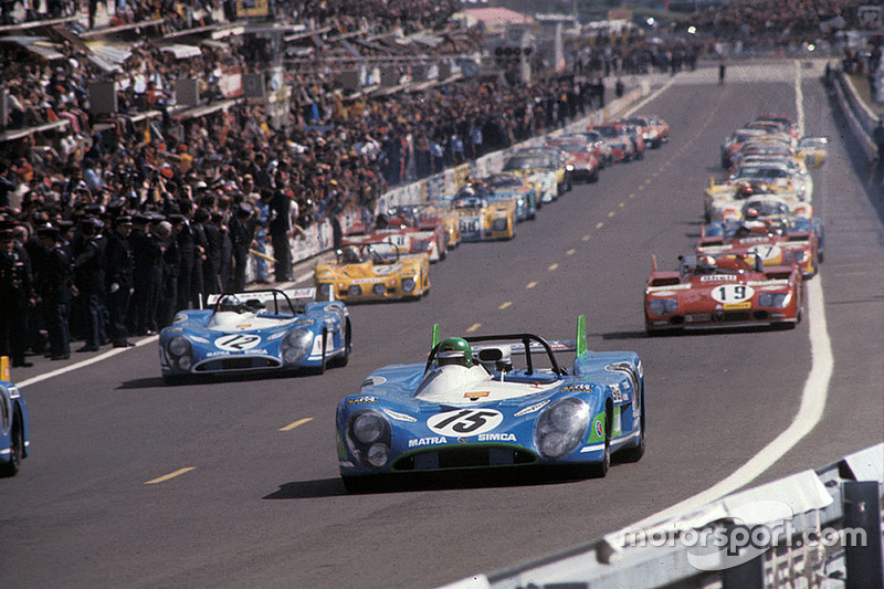 Salida: Equipo Matra-Simca Shell, Matra-Simca MS670 #15: Henry Pescaro, Graham Hill