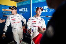 Ganador de la pole Sébastien Loeb, Citroën C-Elysee WTCC, Citroën World Touring Car team y Yvan Mull