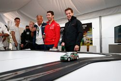 José María López, Citroën C-Elysee WTCC, Citroën World Touring Car team y Nestor Girolami, Honda Civic WTCC, Nika International