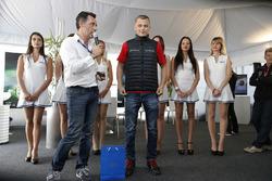 François Ribeiro, Eurosport Events Motorsport Director and Matej Homola, Chevrolet RML Cruze TC1, Ca