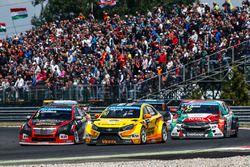 Ники Катсбург, Lada Vesta WTCC, Lada Sport Rosneft и Том Чилтон, Chevrolet RML Cruze TC1, ROAL Motorsport