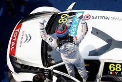 Ganador de la carrera Yvan Muller, Citroën C-Elysee WTCC, Citroën World Touring Car team