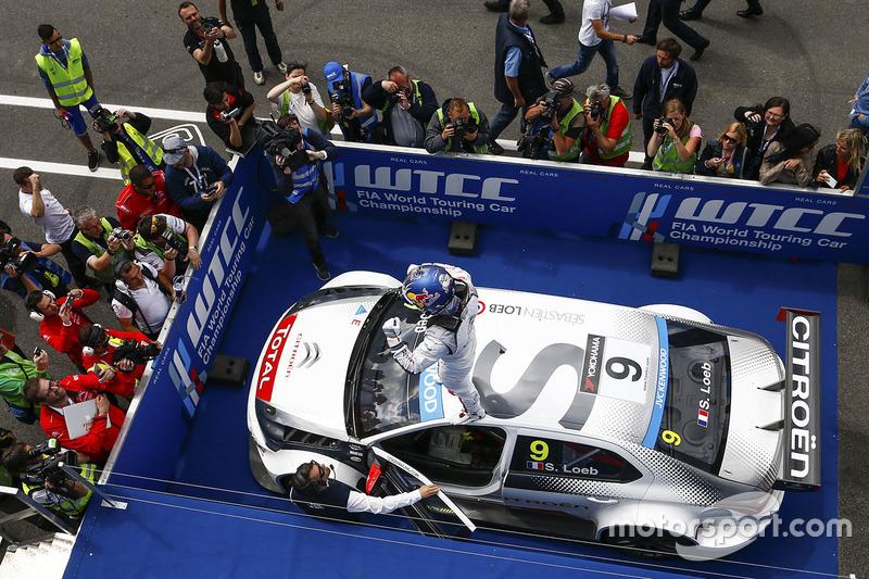 Race winner Sébastien Loeb, Citroën C-Elysee WTCC, Citroën World Touring Car team