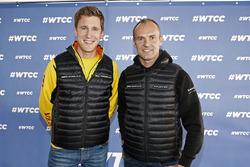 Nicky Catsburg, Lada Vesta WTCC, Lada Sport Rosneft and Rickard Rydell, Honda Civic WTCC, Nika Inter