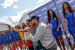 Tiago Monteiro, Honda Civic WTCC, Honda Racing Team JAS and Stefano D'Aste, Chevrolet RML Cruze TC1,