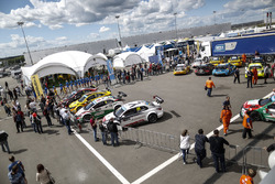 Ambiance in the paddock