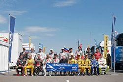 Foto grupal de pilotos con Jean Todt