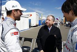 Jean Todt, FIA president with Jose Maria Lopez, Citroën C-Elysee WTCC, Citroën World Touring Car team and Ma Qing Hua, Citroën C-Elysée WTCC, Citroën World Touring Car team