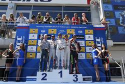 Podium: race winner Yvan Muller, Citroën C-Elysee WTCC, Citroën World Touring Car team, second place Jose Maria Lopez, Citroën C-Elysee WTCC, Citroën World Touring Car team, third place Gabriele Tarquini, Honda Civic WTCC, Honda Racing Team JAS and Tom Chilton, Chevrolet RML Cruze TC1, ROAL Motorsport