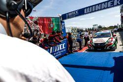 Race winner Tiago Monteiro, Honda Civic WTCC, Honda Racing Team JAS