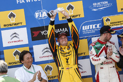 领奖台:亚军罗伯·荷夫,拉达Vesta WTCC,拉达车队