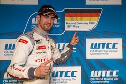 Polesitter: Jose Maria Lopez, Citroën C-Elysee WTCC, Citroën World Touring Car team