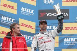 Podium: second place Sébastien Loeb, Citroën C-Elysee WTCC, Citroën World Touring Car team