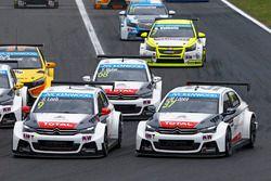Sébastien Loeb, Citroën C-Elysee WTCC, Citroën World Touring Car team and Jose Maria Lopez, Citroën