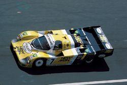 约斯特车队7号保时捷956:亨利·佩斯卡洛罗、克劳斯·路德维格