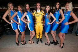 James Thompson, Lada Vesta WTCC, Lada Sport Rosneft with grid girls