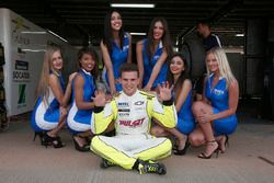 Юго Валент, Chevrolet RML Cruze TC1, Campos Racing и грид гёрл